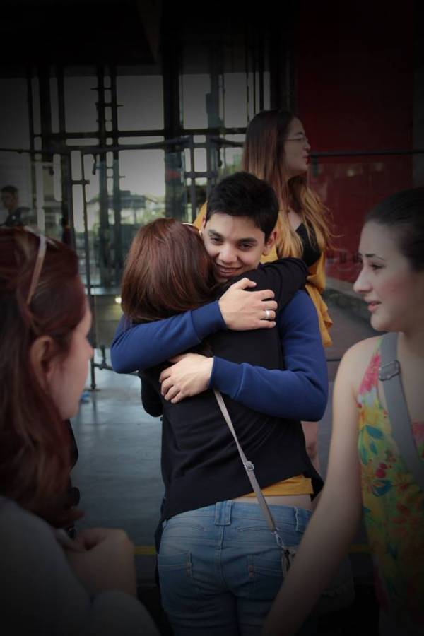 free_hugs_06